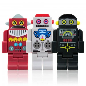 "<img src=""filename.gif"" alt=""image of 3 toy robots"">"